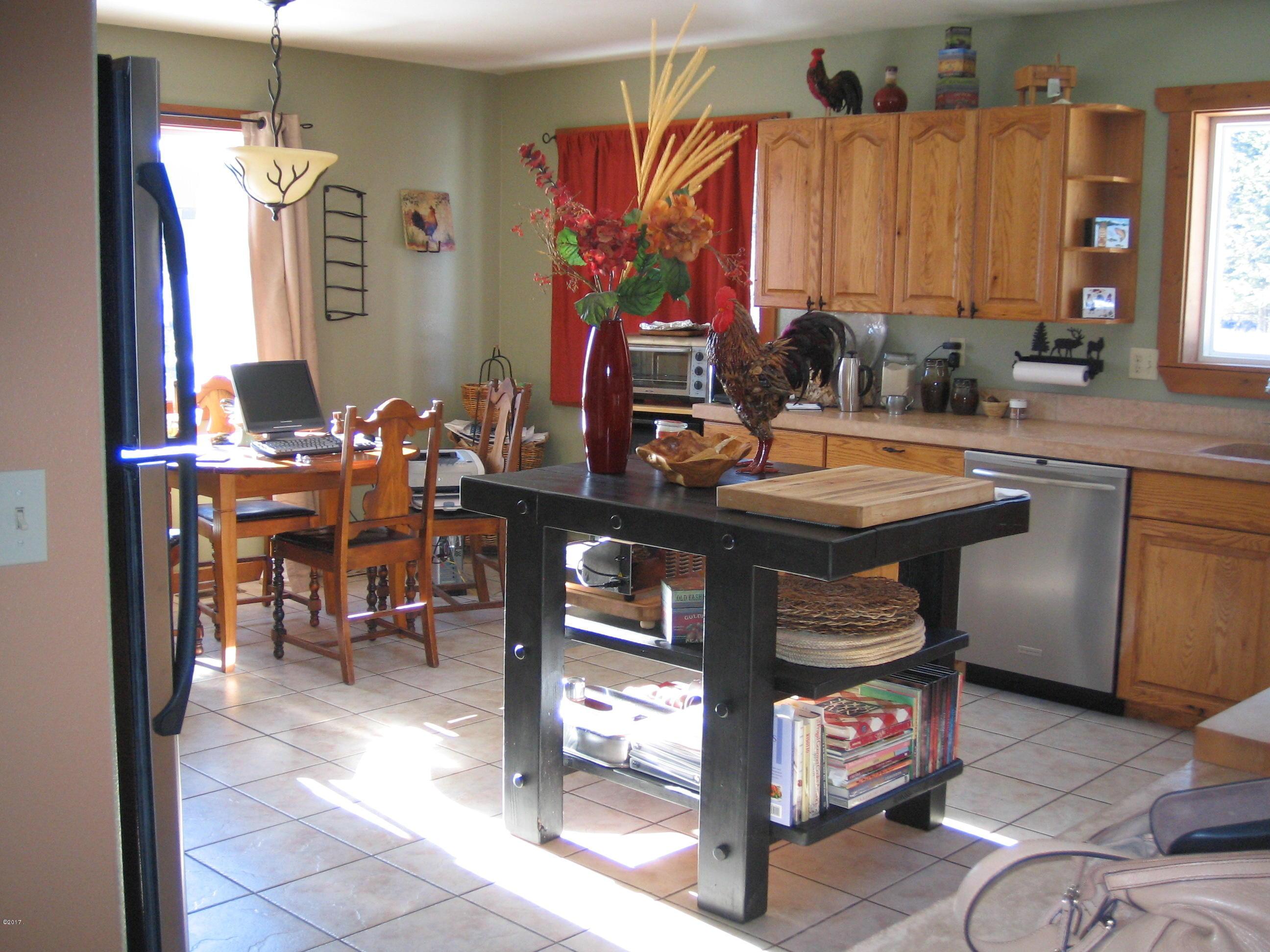 Additional photo for property listing at 110 Sandy Lane  Bigfork, Montana 59911 United States