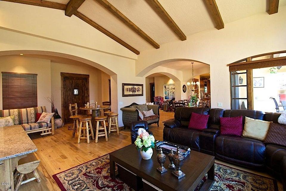Additional photo for property listing at 308 Chapman Lane  Bigfork, Montana 59911 United States