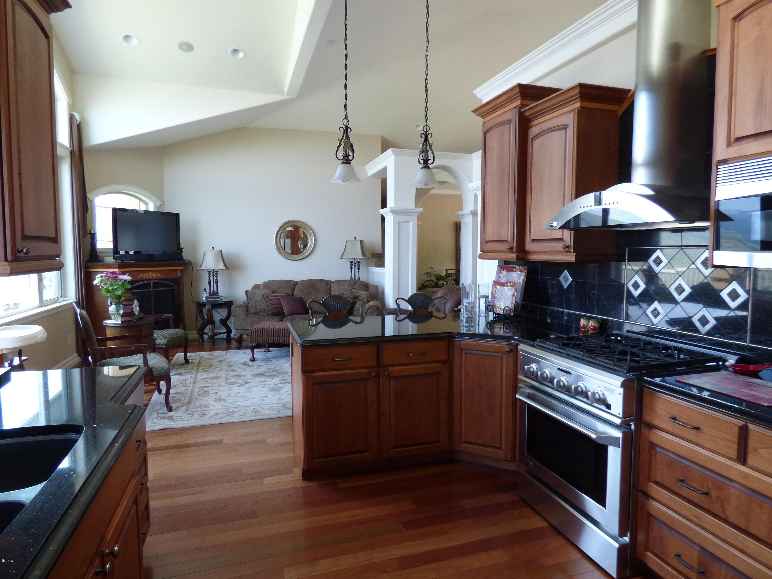 Additional photo for property listing at 402 Rainier Court  Missoula, Montana 59803 United States