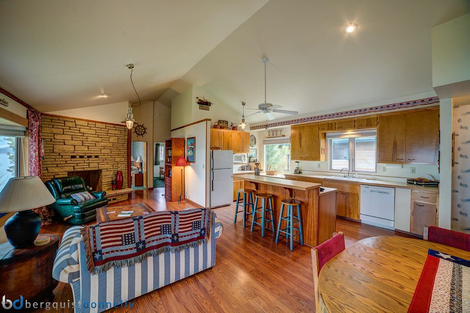 Additional photo for property listing at 903 Bayview Drive  Polson, Montana 59860 United States
