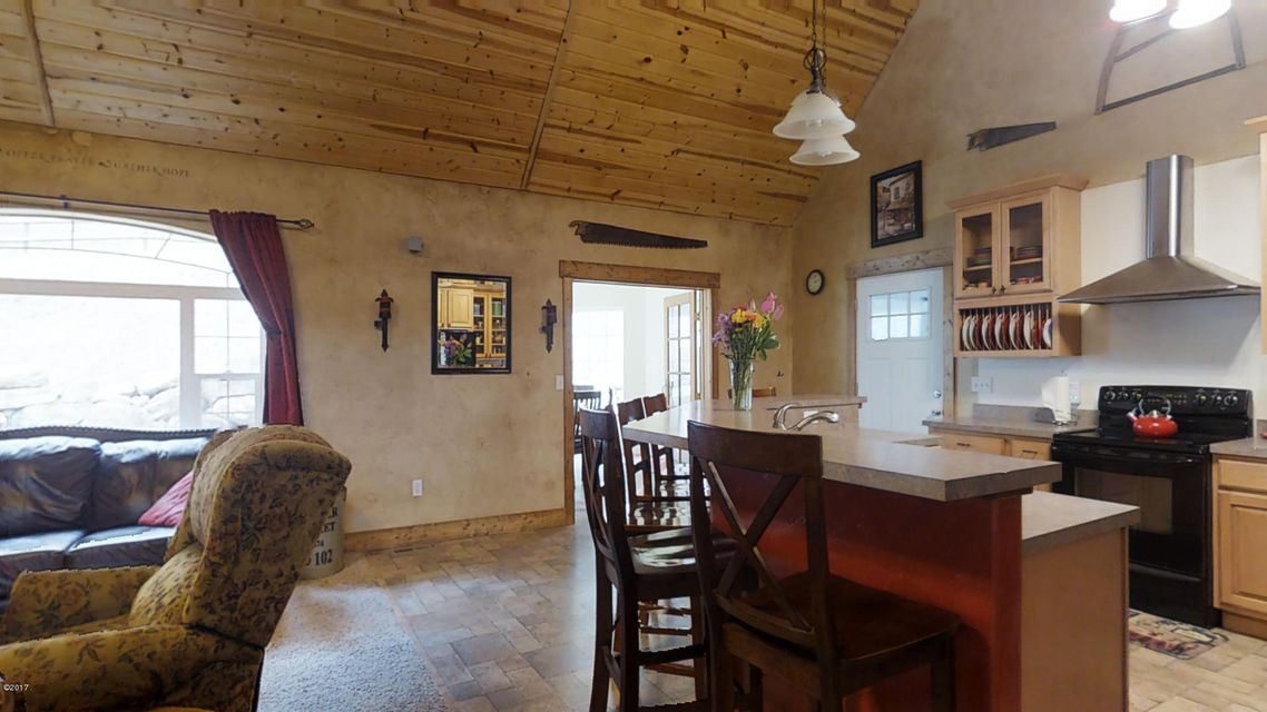 Additional photo for property listing at 660 Patrick Creek Road  Kalispell, Montana 59901 United States