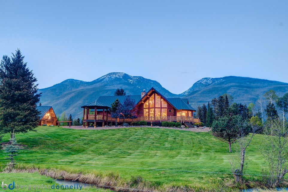 Maison unifamiliale pour l Vente à 870 Smith Meadows Lane Condon, Montana,59826 États-Unis
