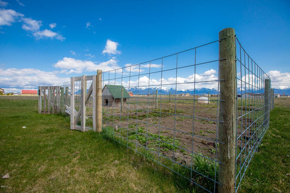 Additional photo for property listing at 1025 North Somers Road  Kalispell, Montana 59901 United States