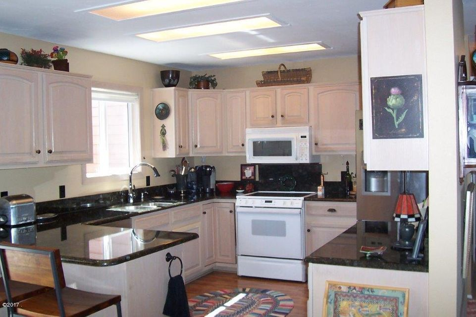 Additional photo for property listing at 18 Country Club Shores  Polson, Montana 59860 United States