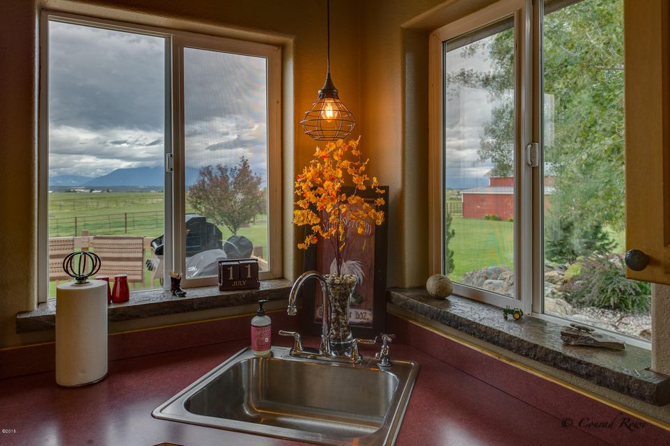 Additional photo for property listing at 124 Le Doux Drive  Kalispell, Montana 59901 United States