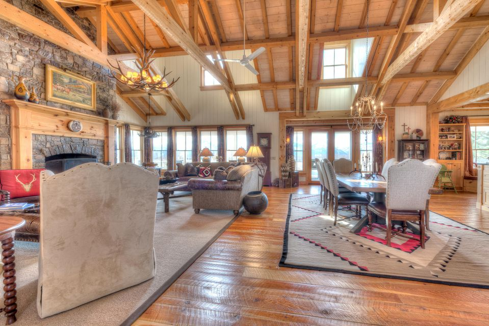 Additional photo for property listing at 515 East Tammany Trail  Hamilton, Montana,59840 États-Unis