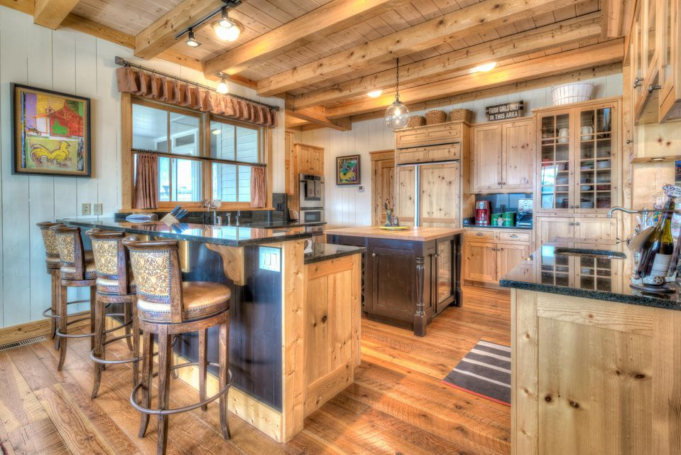 Additional photo for property listing at 515 East Tammany Trail  汉密尔顿, 蒙大拿州,59840 美国
