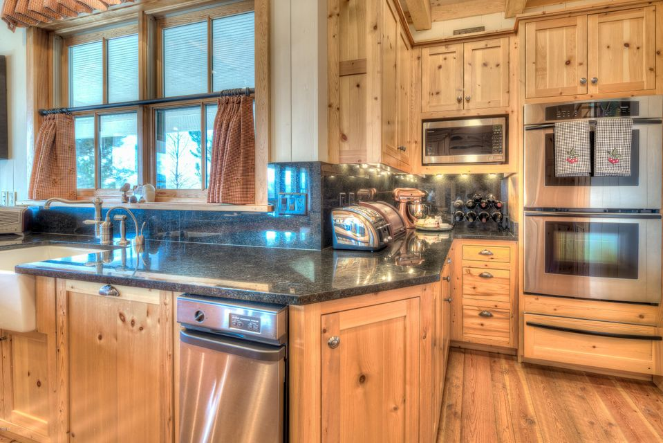 Additional photo for property listing at 515 East Tammany Trail  Hamilton, Montana,59840 United States