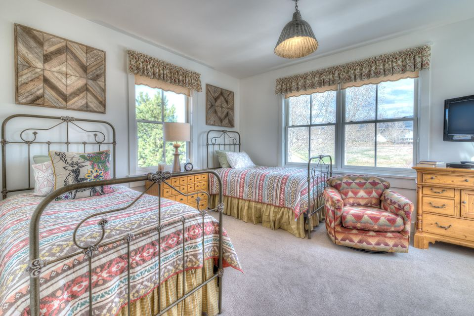 Additional photo for property listing at 515 East Tammany Trail  Hamilton, Montana,59840 Hoa Kỳ