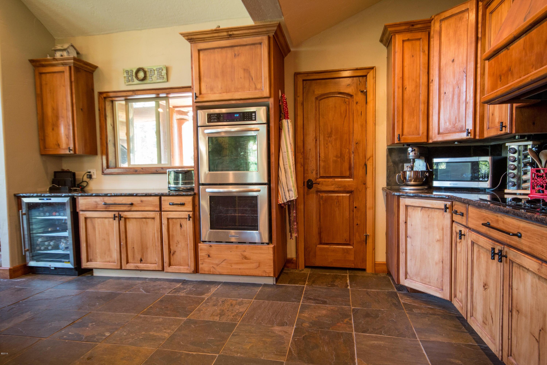 Additional photo for property listing at 410 Sherman Lane  Bigfork, Montana 59911 United States