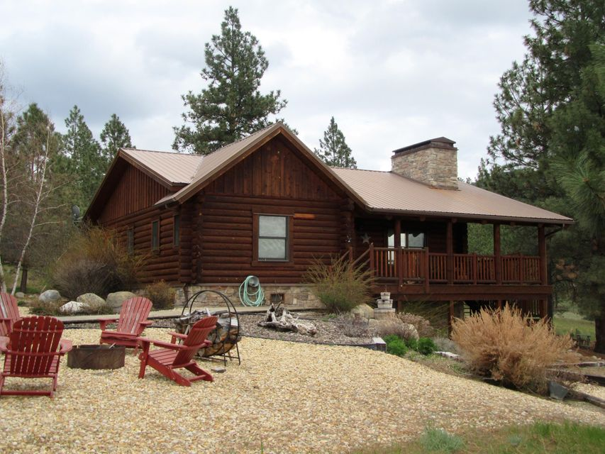 Single Family Home for Sale at 683 Gray Fox Lane Corvallis, Montana 59828 United States