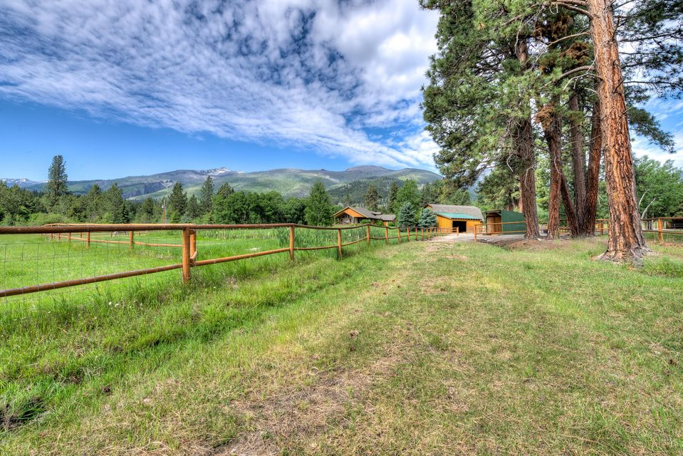 Additional photo for property listing at 860 Sheafman Creek Road 860 Sheafman Creek Road Hamilton, Montana 59840 United States