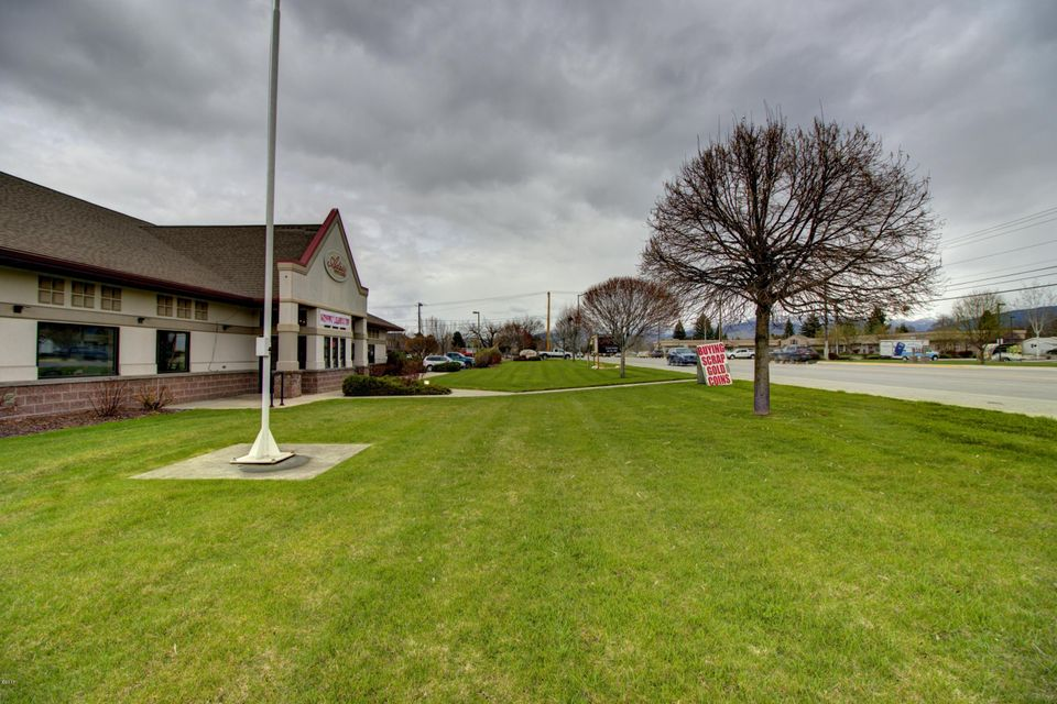 Additional photo for property listing at 1325 South Reserve Street  Missoula, Montana 59804 United States
