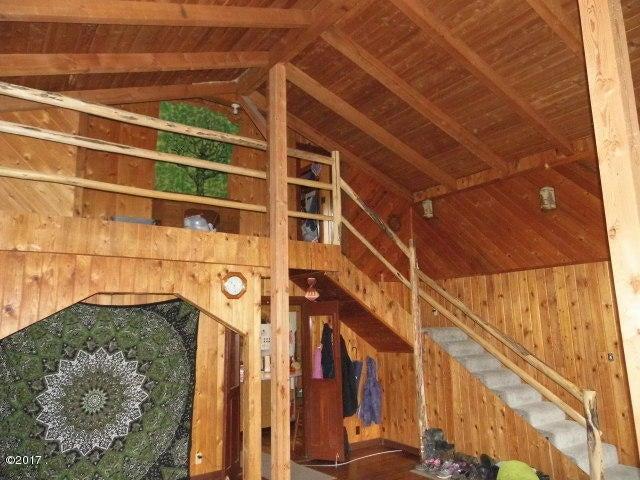 Loft to 2nd Floor