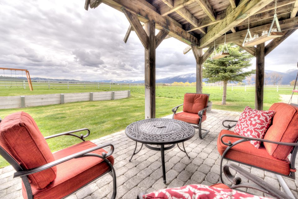 Additional photo for property listing at 500  Lovers Lane  Hamilton, Montana,59840 Estados Unidos