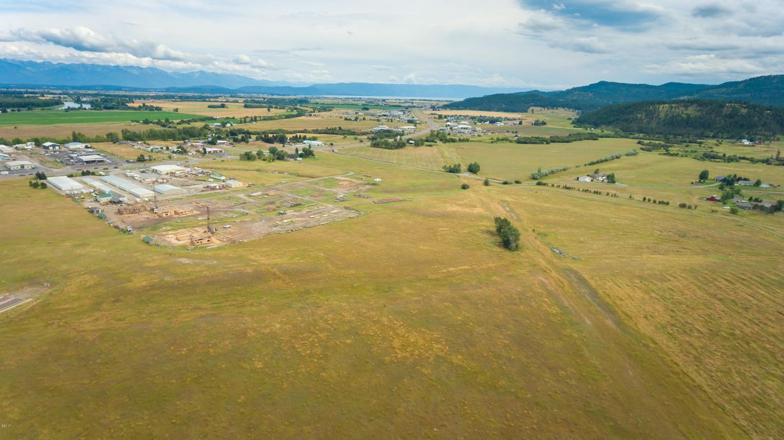 Additional photo for property listing at Nhn  Highway 93 Nhn  Highway 93 Kalispell, Montana,59901 Verenigde Staten