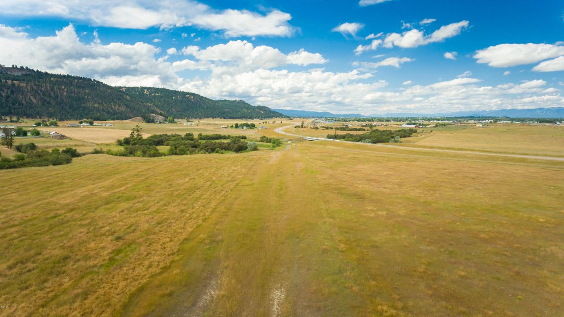 Additional photo for property listing at Nhn  Highway 93 Nhn  Highway 93 Kalispell, 몬타나,59901 미국