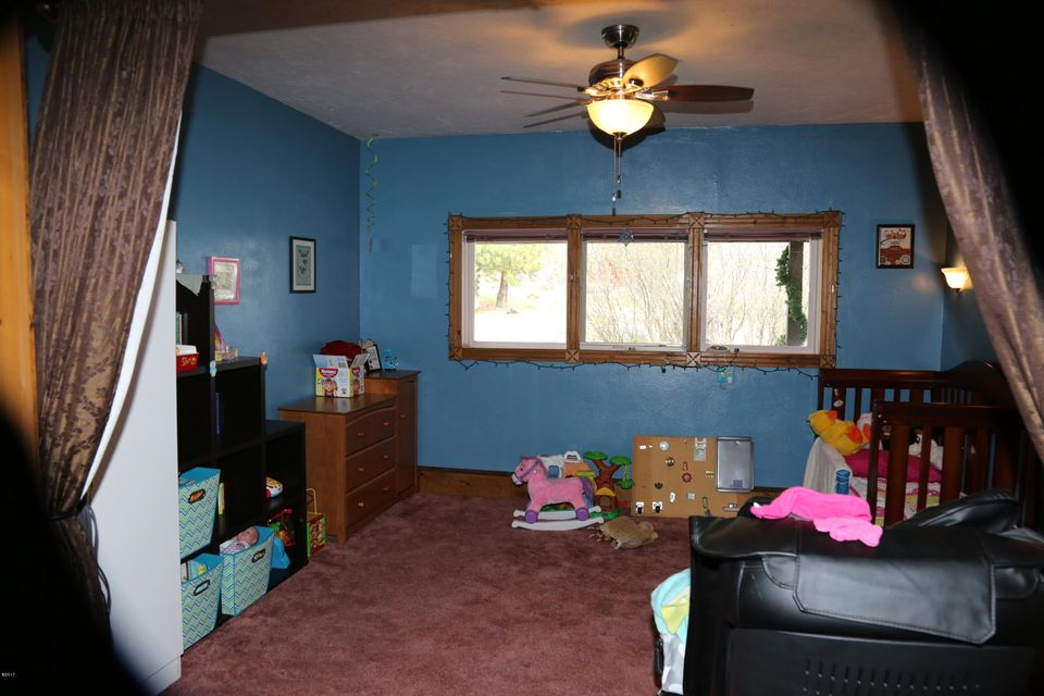 Additional photo for property listing at The Stage Stop Ranch 360  Fleet Street Hamilton, Montana,59840 Verenigde Staten
