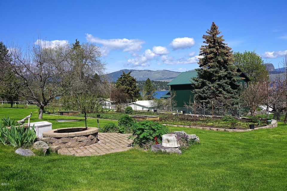 Additional photo for property listing at 28501 7th Street  Big Arm, Montana 59910 United States