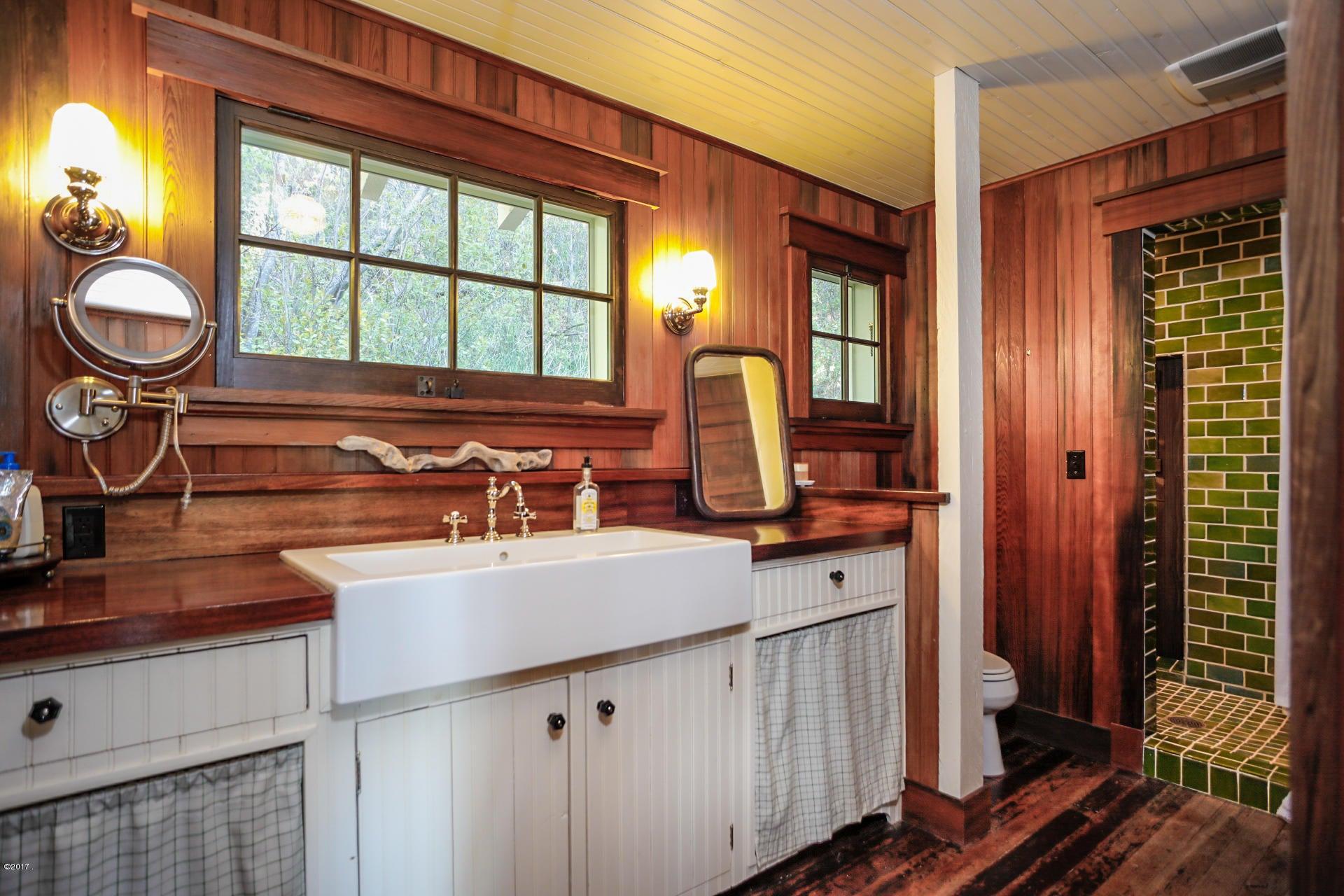 Additional photo for property listing at 240 Holt Drive  Bigfork, Montana 59911 United States