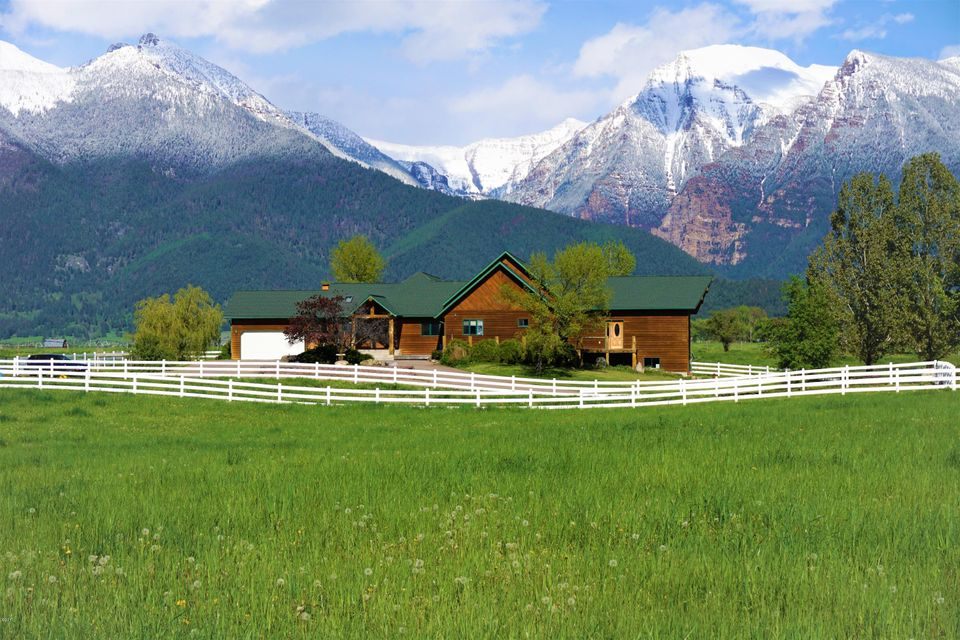 Single Family Home for Sale at 61500 Watson Road 61500 Watson Road St. Ignatius, Montana 59865 United States