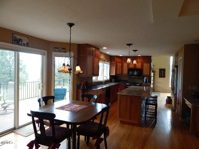 Additional photo for property listing at 410 Lake Hills Lane  Kalispell, Montana 59901 United States