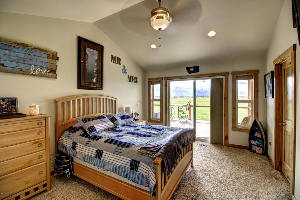 Additional photo for property listing at 45339 Leighton Road  Ronan, Montana 59864 United States