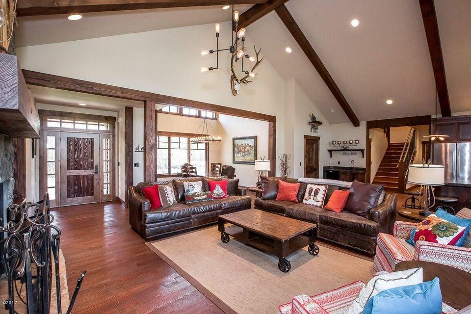 Additional photo for property listing at 613 Viking Creek  Whitefish, Montana 59937 United States