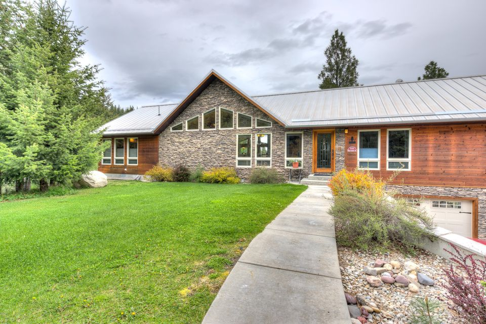 Single Family Home for Sale at 1111 Bear Creek Trail Victor, Montana 59875 United States