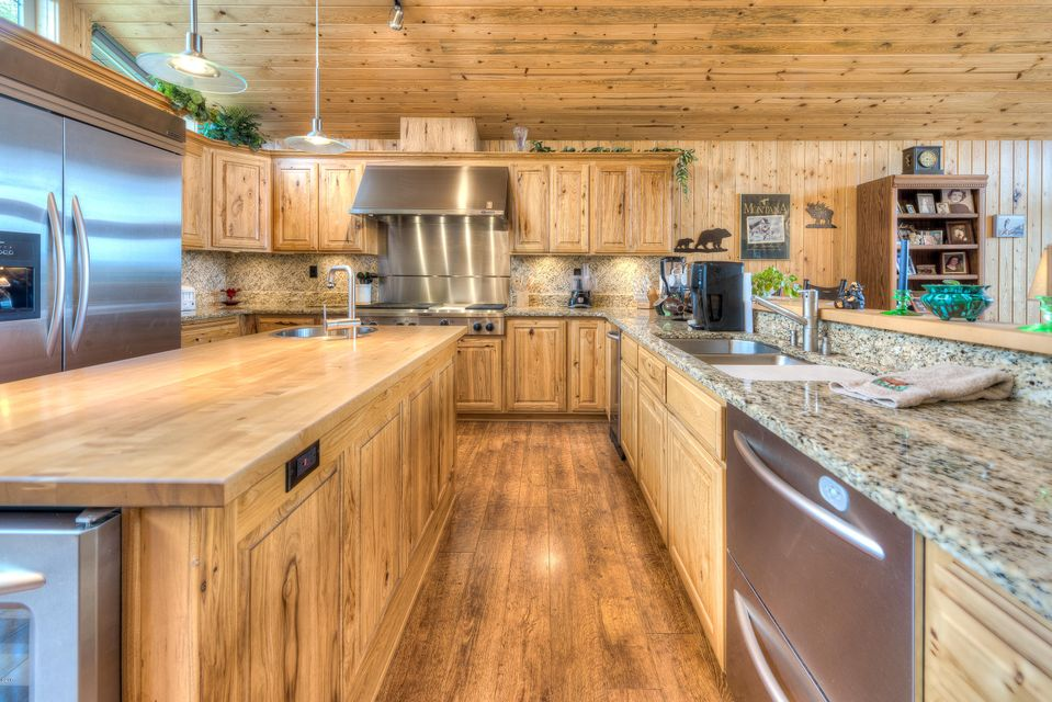 Additional photo for property listing at 1111 Bear Creek Trail  Victor, Montana 59875 United States