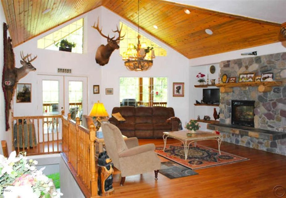 Additional photo for property listing at 233 Cherry Creek Road  Thompson Falls, Montana 59873 United States