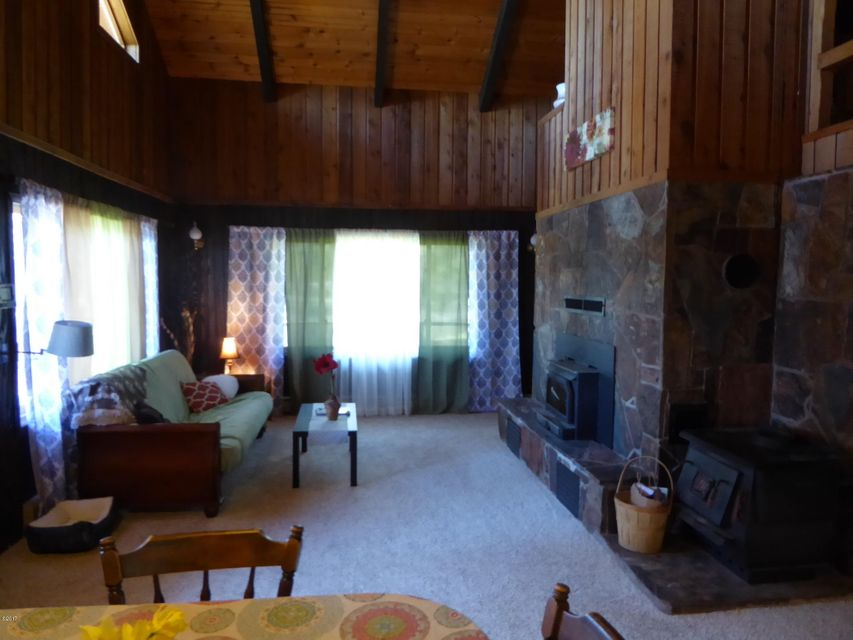 Additional photo for property listing at 440 Sunday Lane  Kalispell, Montana 59901 United States