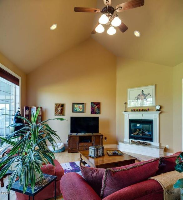 Additional photo for property listing at 1002 Blue Grouse Drive  Kalispell, Montana 59901 United States