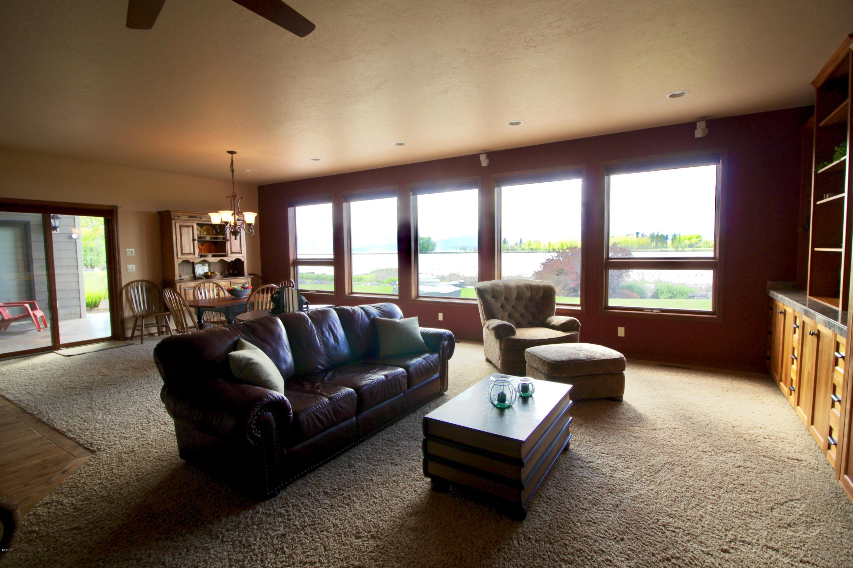 Additional photo for property listing at 251 Harbor Drive  Bigfork, Montana 59911 United States