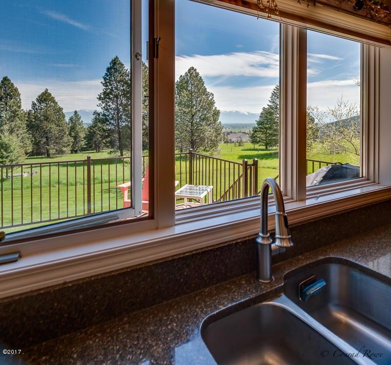Additional photo for property listing at 410 Lake Hills Lane 410 Lake Hills Lane Kalispell, Montana 59901 United States