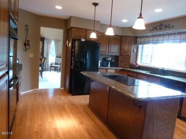 Additional photo for property listing at 190 Pine Needle Lane 190 Pine Needle Lane Bigfork, Montana 59911 United States