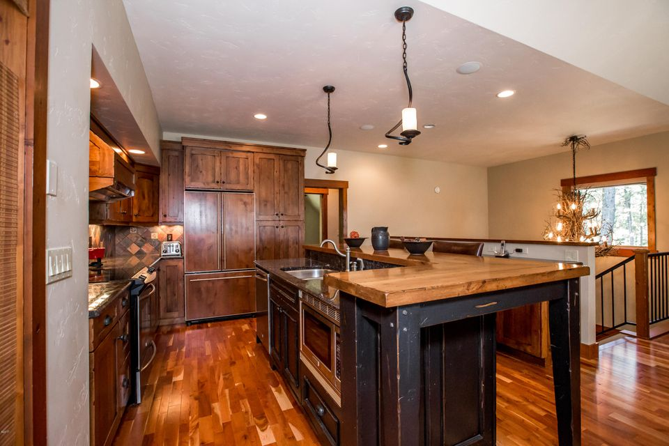 Additional photo for property listing at 2035 Ridge Crest Drive  Whitefish, Montana 59937 United States