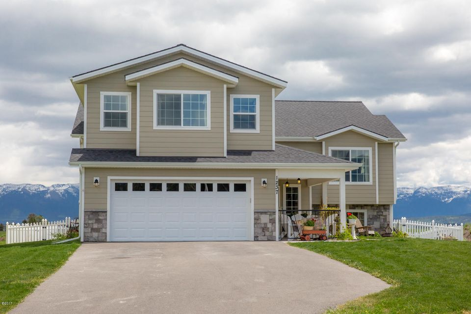 1237 Mackinaw Loop, Somers, MT 59932