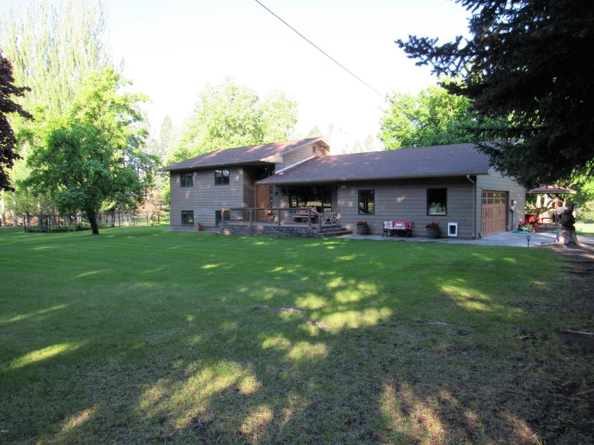 Single Family Home for Sale at 564&582 Whispering Ridge Lane Columbia Falls, Montana 59912 United States