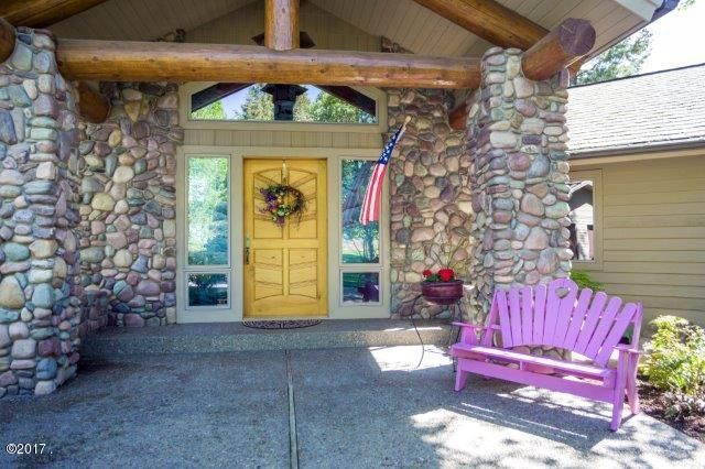 Additional photo for property listing at 982 Angel Point Road  Lakeside, Montana 59922 United States
