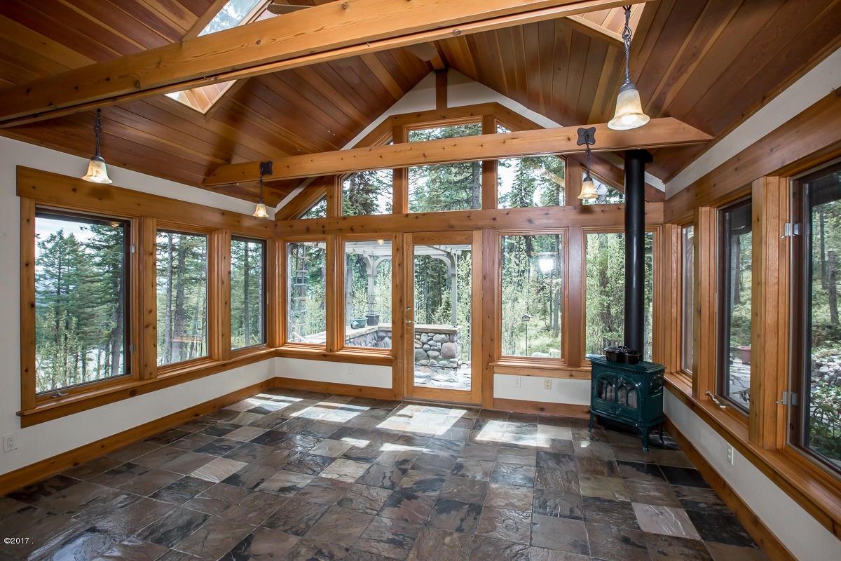 Additional photo for property listing at 111 Ridge Run Drive  Whitefish, Montana 59937 United States