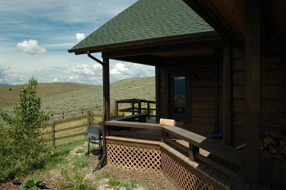 Additional photo for property listing at 402 Labrador Trail  Corvallis, Montana 59828 United States