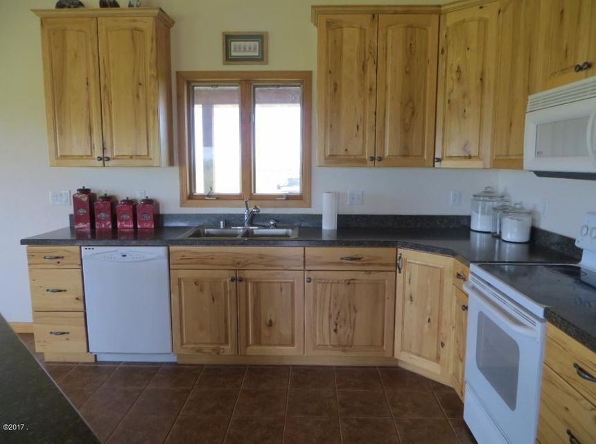 Additional photo for property listing at 915 Rocking Horse Road  Stevensville, Montana 59870 United States