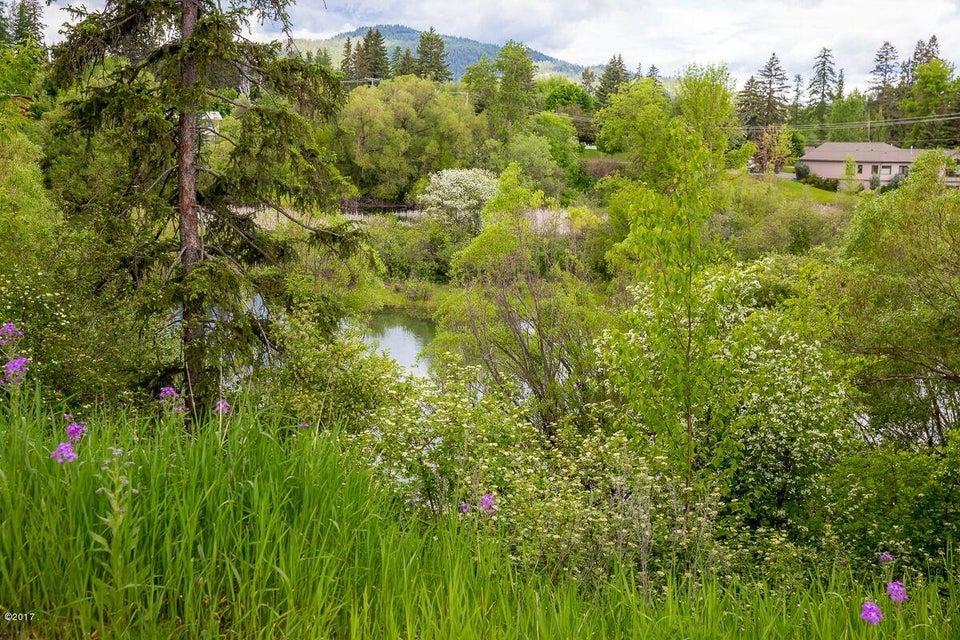 Additional photo for property listing at 800 Spokane Avenue  Whitefish, Montana 59937 United States