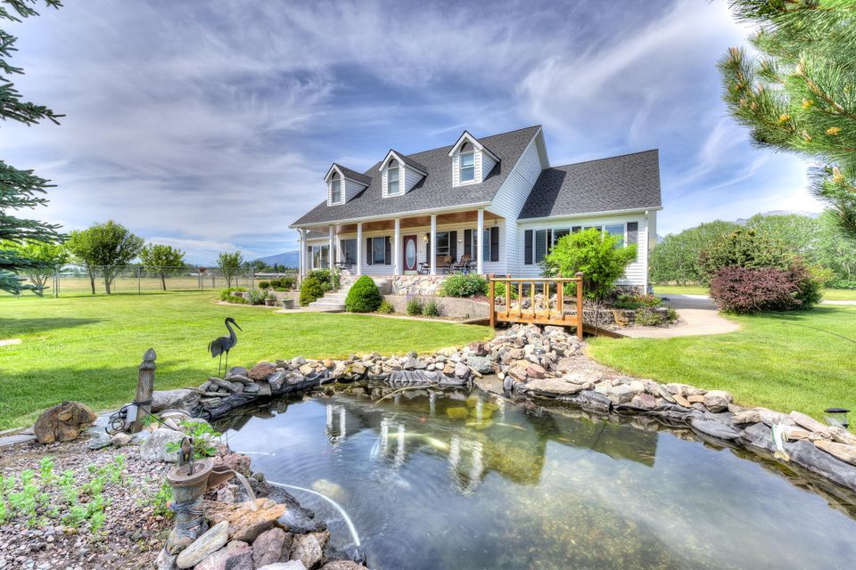 Single Family Home for Sale at 141 Broken Spur Trail 141 Broken Spur Trail Victor, Montana 59875 United States