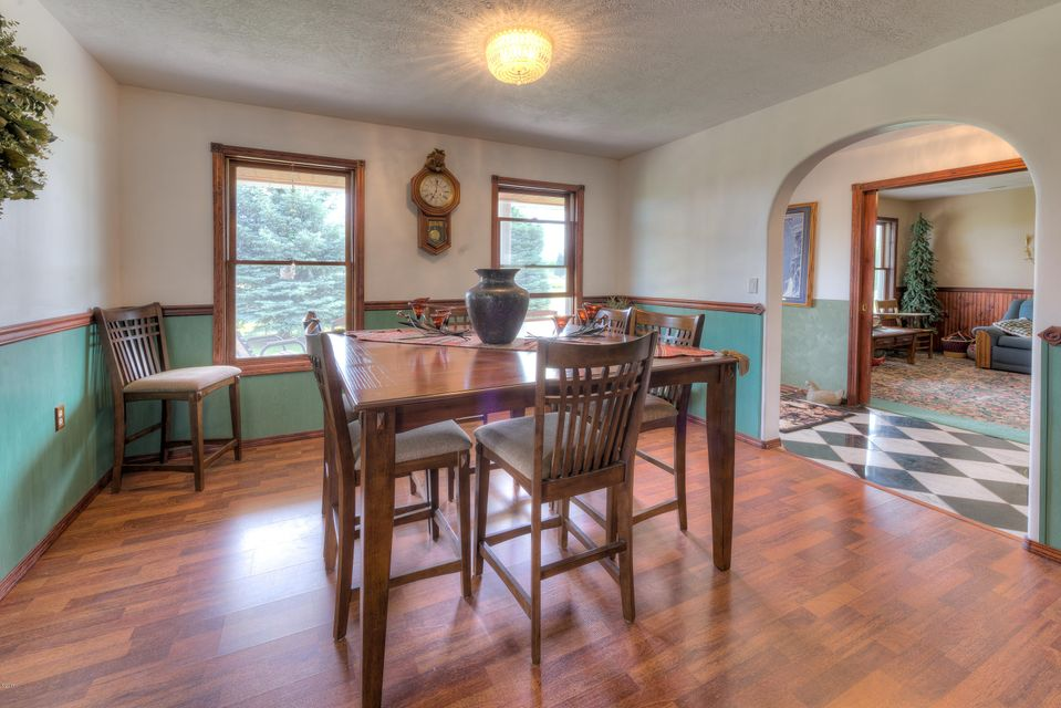 Additional photo for property listing at 141 Broken Spur Trail  Victor, Montana 59875 United States