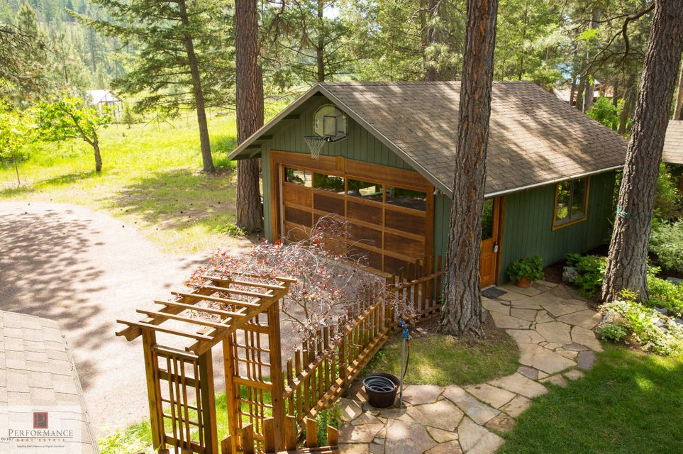 Additional photo for property listing at 196 Slow Down Lane  Bigfork, Montana 59911 United States