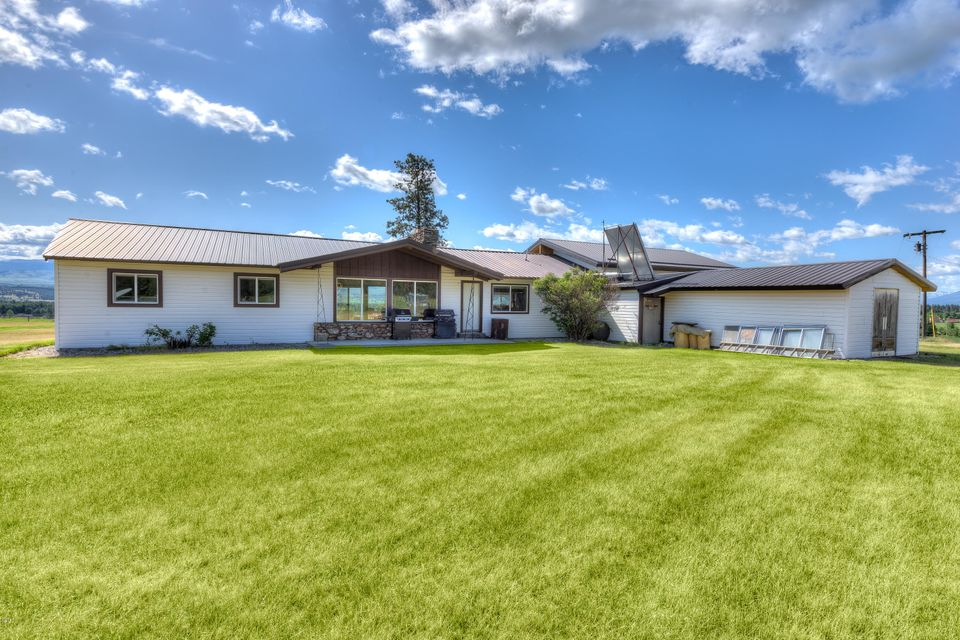 Single Family Home for Sale at 3238 Water Wheel Lane Victor, Montana 59875 United States