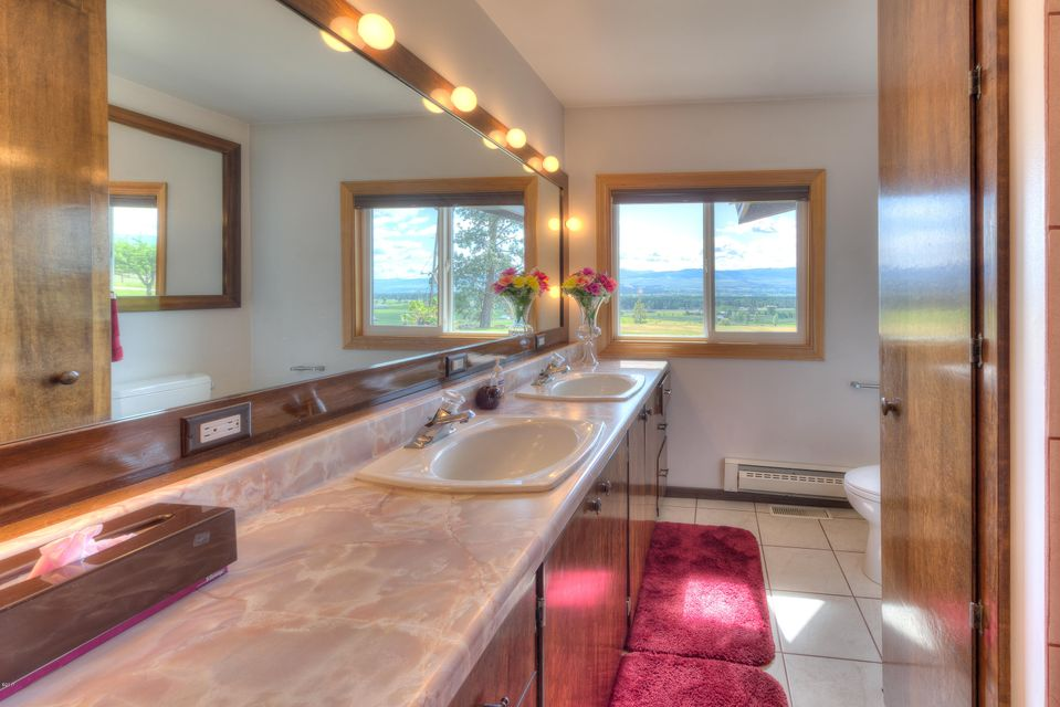 Additional photo for property listing at 3238 Water Wheel Lane  Victor, Montana 59875 United States