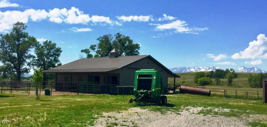 Additional photo for property listing at 150 Howie Road 150 Howie Road Big Timber, Montana 59011 United States